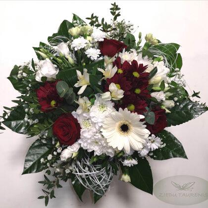 Lēzenais ziedu pušķis. Diametrs 30 cm. 30,-e